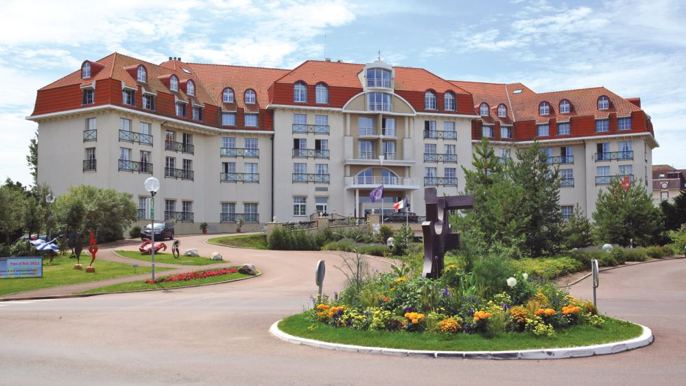 Le grand hotel le touquet paris plage in nord pas de for Restaurant le jardin au touquet