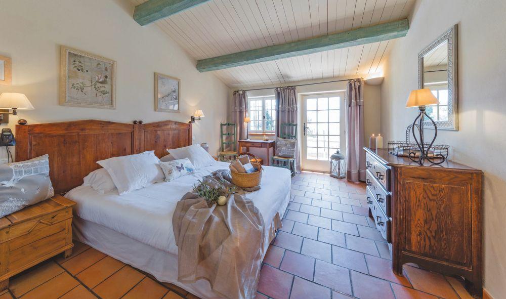 Hotel abbaye de sainte croix in provence jetair jetair for Abbaye sainte croix salon
