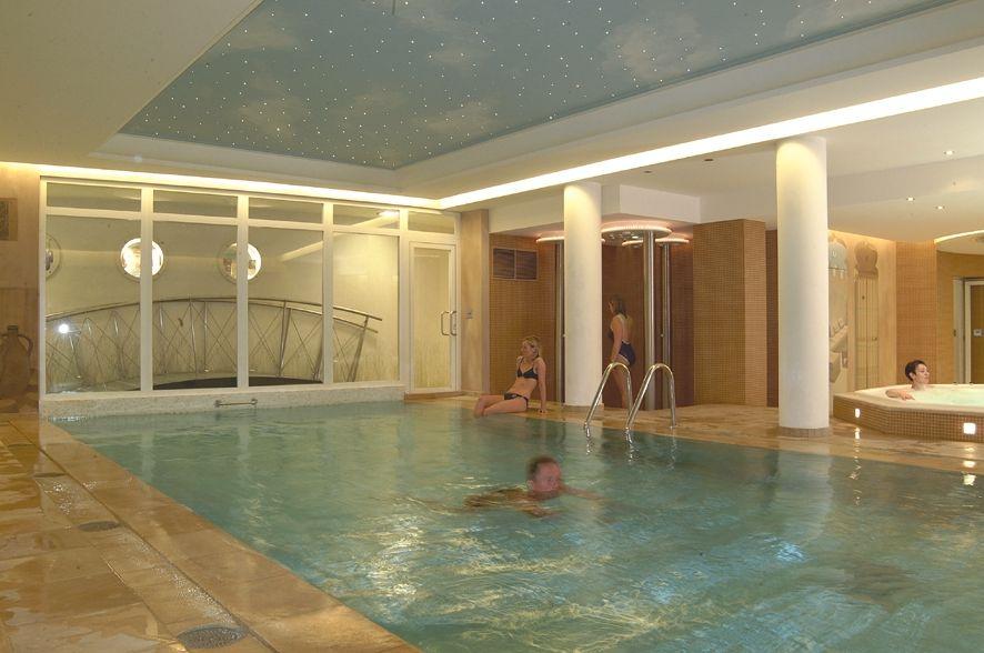 Hotel beach palace in c te belge et arri re pays de bruges for Camping cote belge avec piscine