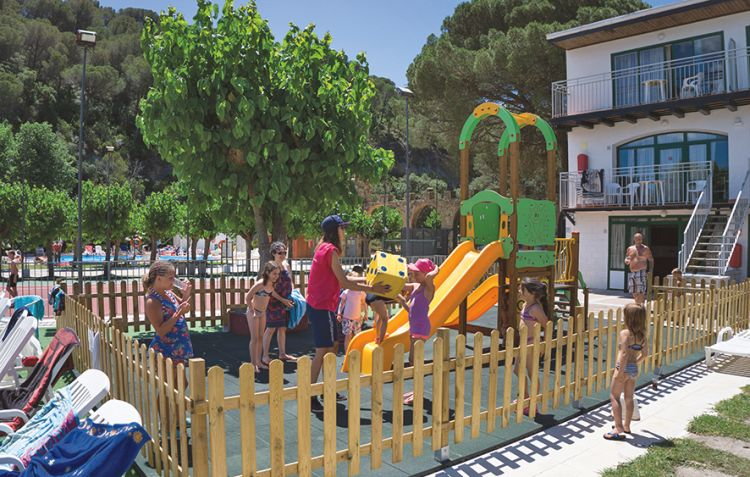 med playa holidayclub san eloy all inclusive in costa brava jetair jetair devient tui. Black Bedroom Furniture Sets. Home Design Ideas