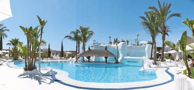 Woonkamer Fonteinen : Hotel Suites Albayzin Del Mar in Costa del Sol ...