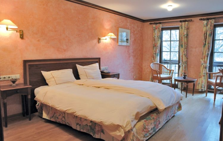 Hotel aux anciennes tanneries in luxemburg - Stijl ligstoelen anciennes ...